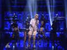 "Justin Bieber Performs ""Sorry"" On Jimmy Fallon"