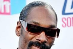 Snoop Dogg Is the Ultimate Virtual Goods Salesman
