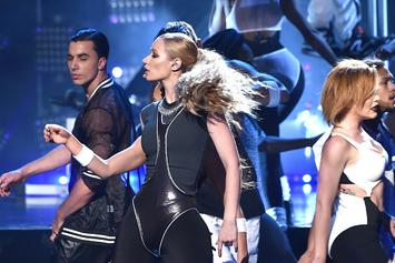 "Iggy Azalea Wins ""Best Hip Hop Album"" At The American Music Awards"