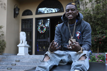 Soulja Boy Gets His Phone Snatched Live In The Hood